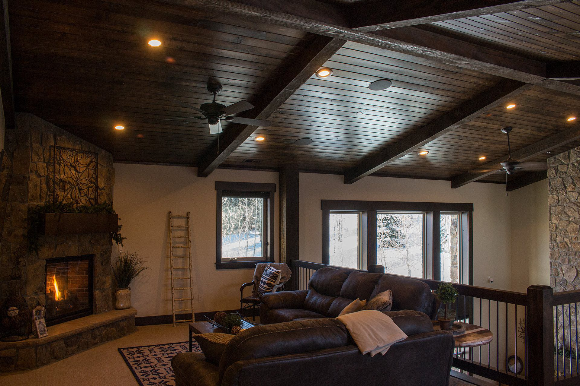 Timberlakes Cabin by Raykon Construction